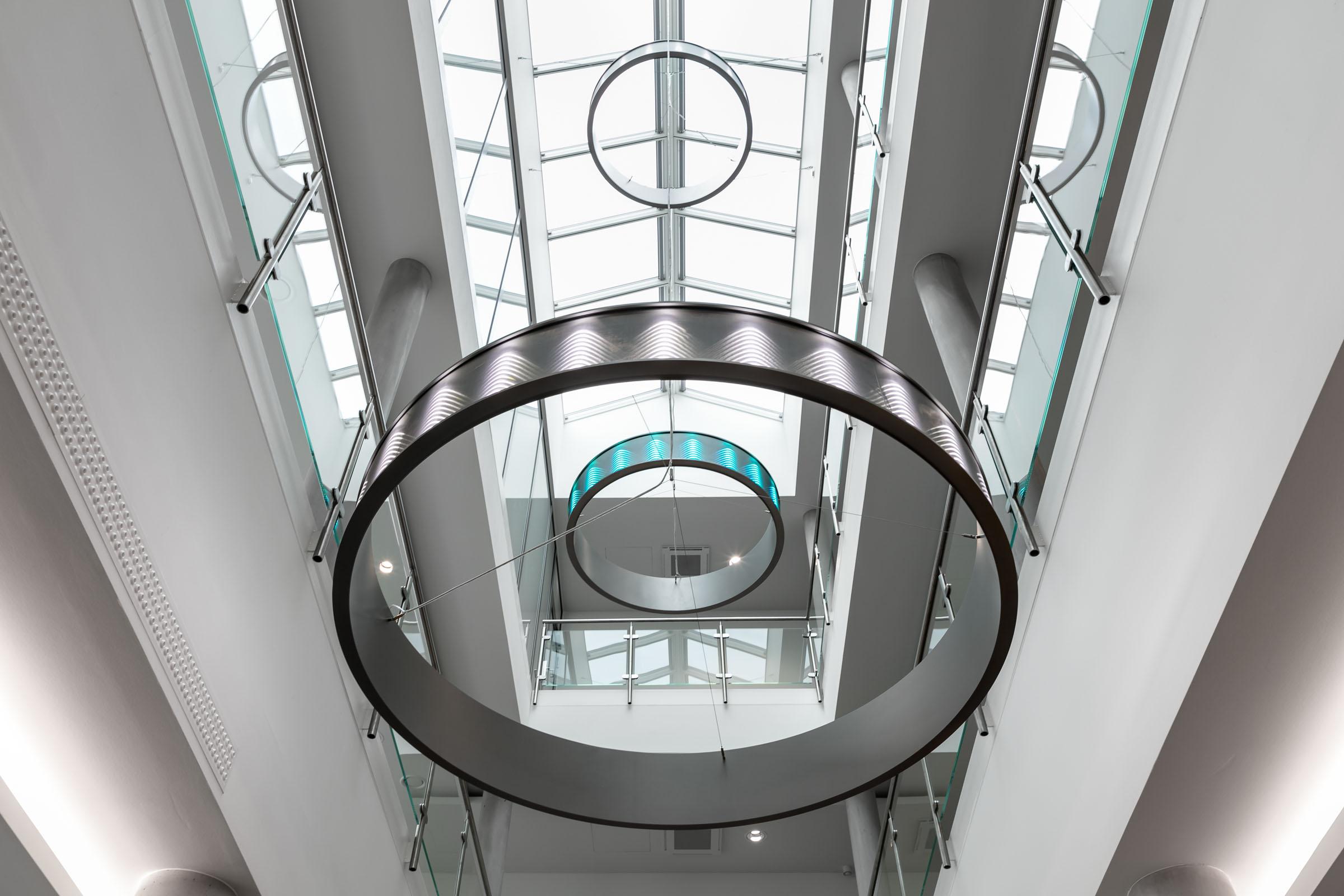 3fach Ringleuchten im Eingangsbereich von E.G.O.