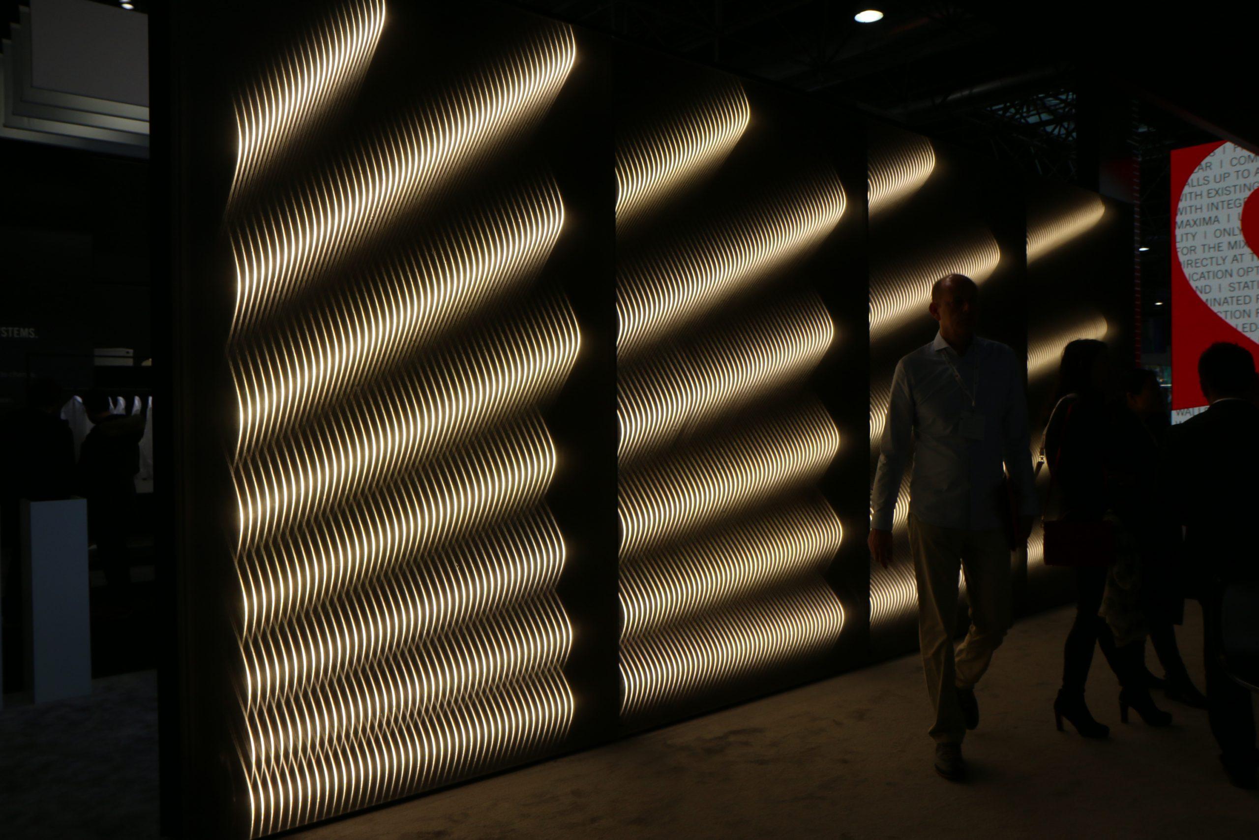 Großformatige Leuchtrahmen für den Messebau