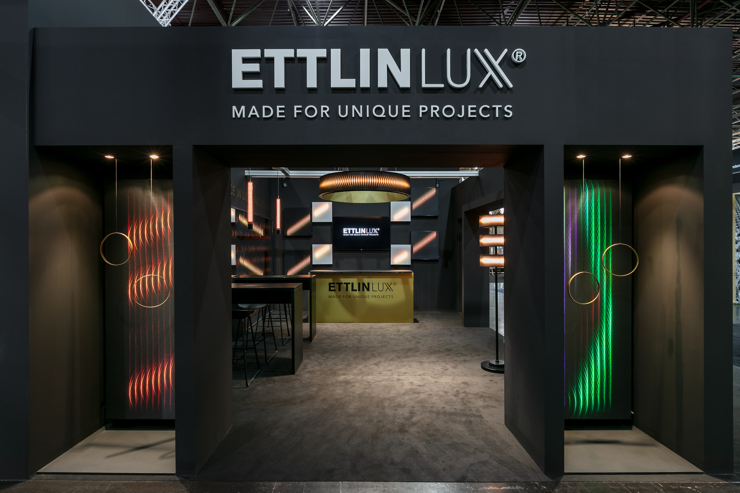 ETTLIN LUX Messestand auf EuroShop2020 frontal