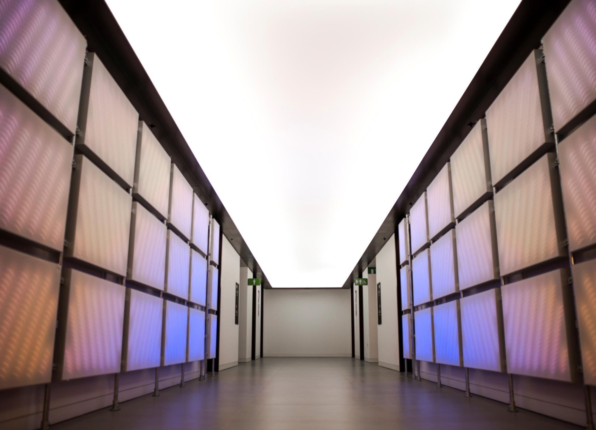 Lichtinstallation bei Amazon mit ETTLIN LUX® Textilien