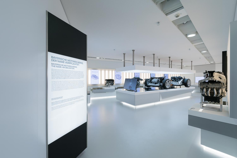 Textile Leuchtwände von ETTLIN im BMW Museum