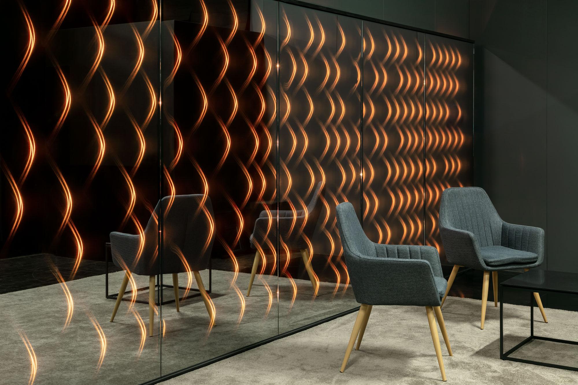 Spiegelwand mit Lichteffekt für individuelle Projekte